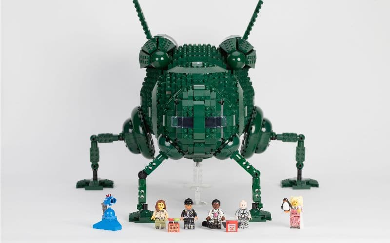 lego starbug and the red dwarf crew