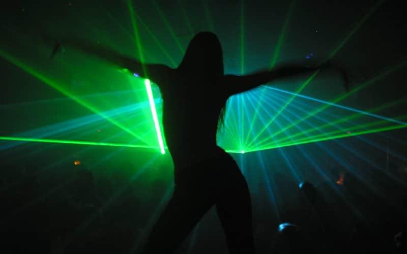 raver dancing to hardcore bangers